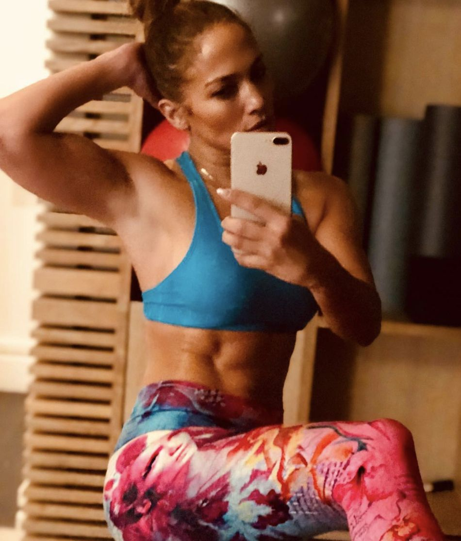 531b8cfd36 Jennifer Lopez Shows Off New Leggings And Insane Abs On Instagram