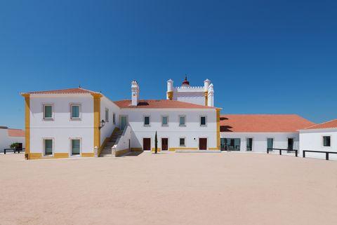 Torre de Palma Wine Hotel, progetto di João Mendes Ribeiro, Monforte, Portogallo