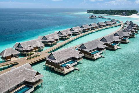 Artificial island, Island, Coastal and oceanic landforms, Resort, Breakwater, Swimming pool, Vacation, Sea, Vehicle, Landscape,