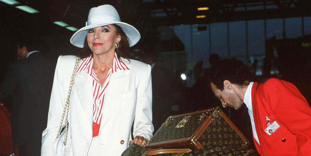 Are Paparazzi Shots of Celebrities at Airports a Form of Art?
