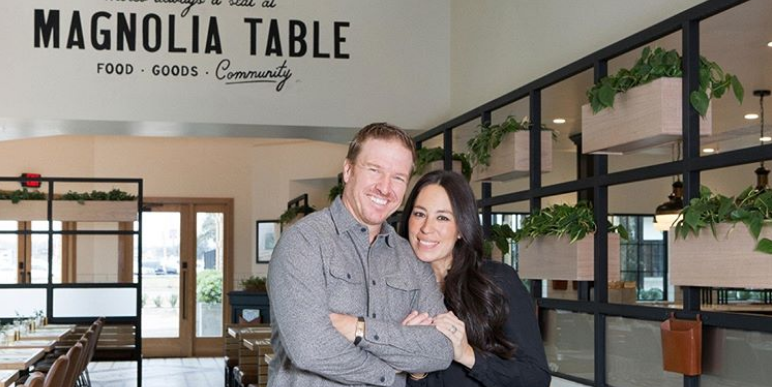 joanna gaines pregnant on fixer upper