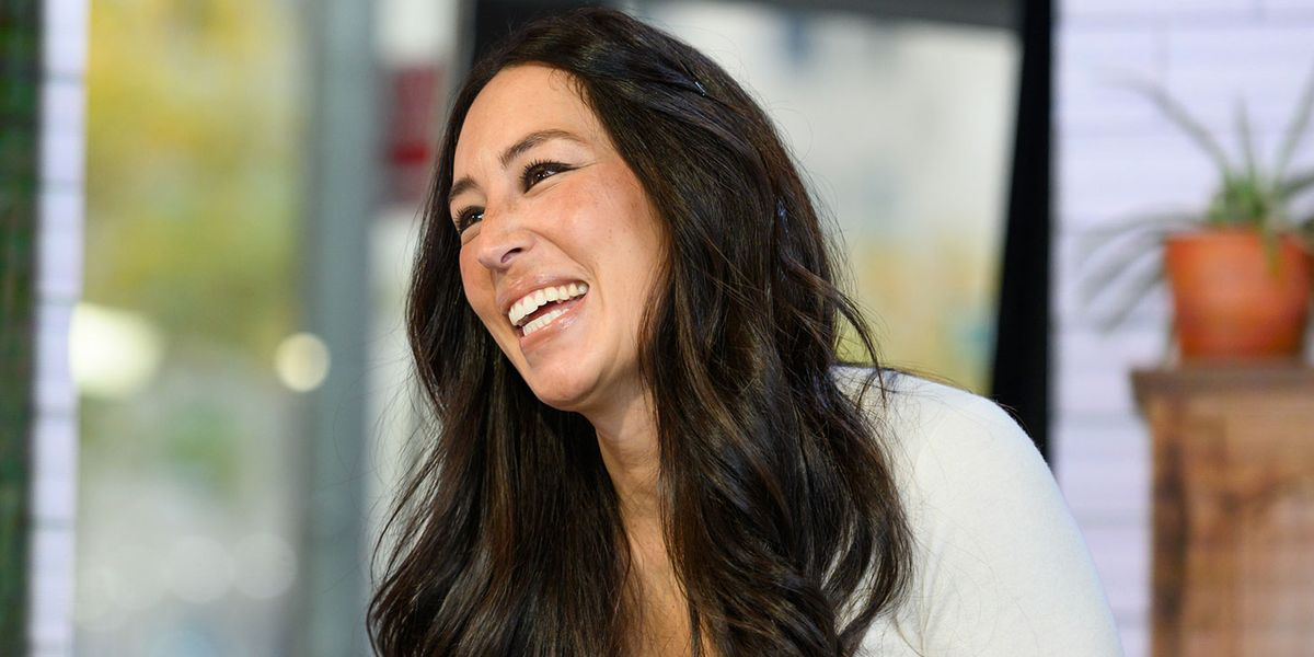 Joanna Gaines Just Shared Her 5-Ingredient Secret for Making Her House Smell Amazing