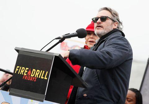 Detienen a Joaquin Phoenix y Martin Sheen en una manifestación por el clima