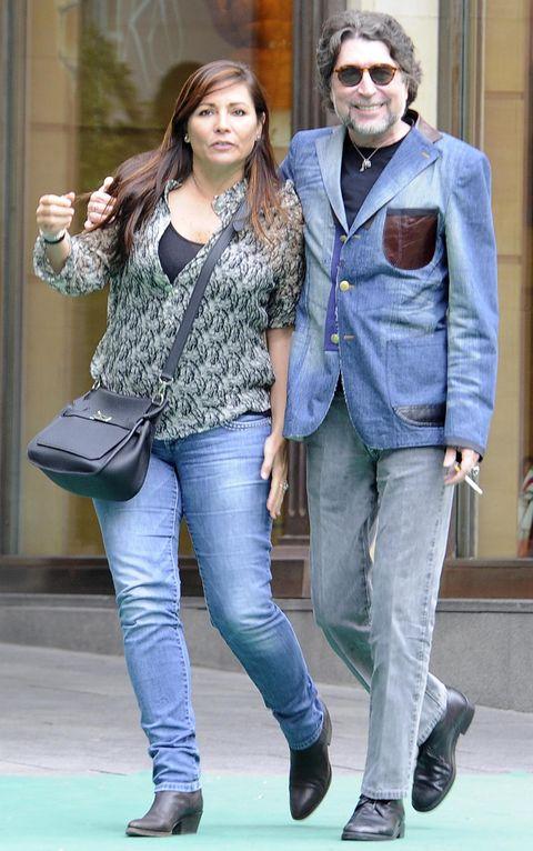 Joaquín Sabina le pide matrimonio a su novia, Jimena Coronado