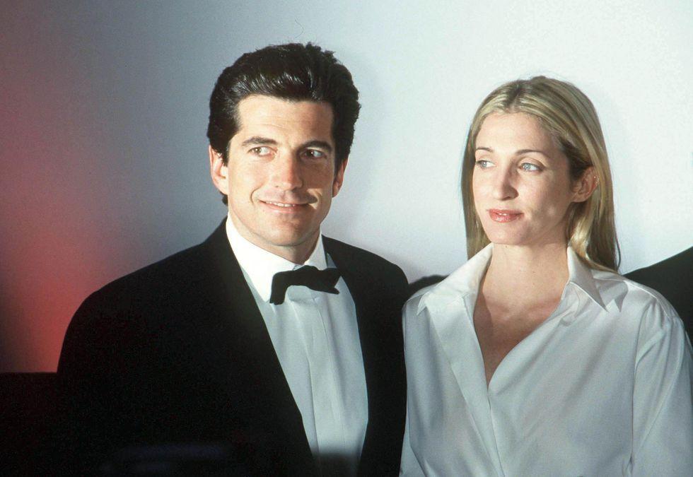 Carolyn and john dating divas birthday ideas