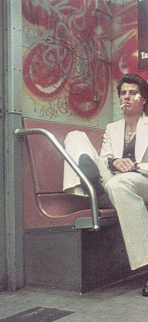 john travolta en una foto de los años 70