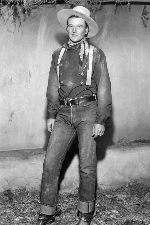 john wayne in costume for stagecoach