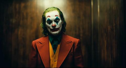 Clown, Joker, Performing arts, Supervillain, Head, Fictional character, Smile, Performance, Art,