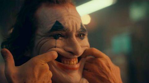 Face, Facial expression, Nose, Head, Eyebrow, Mouth, Smile, Lip, Human, Forehead,