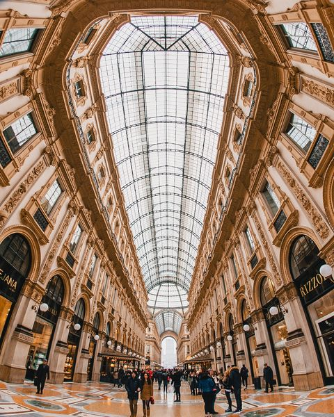 Building, Architecture, Arcade, Symmetry, Daylighting, Shopping mall, City, Shopping, Ceiling, Lobby,