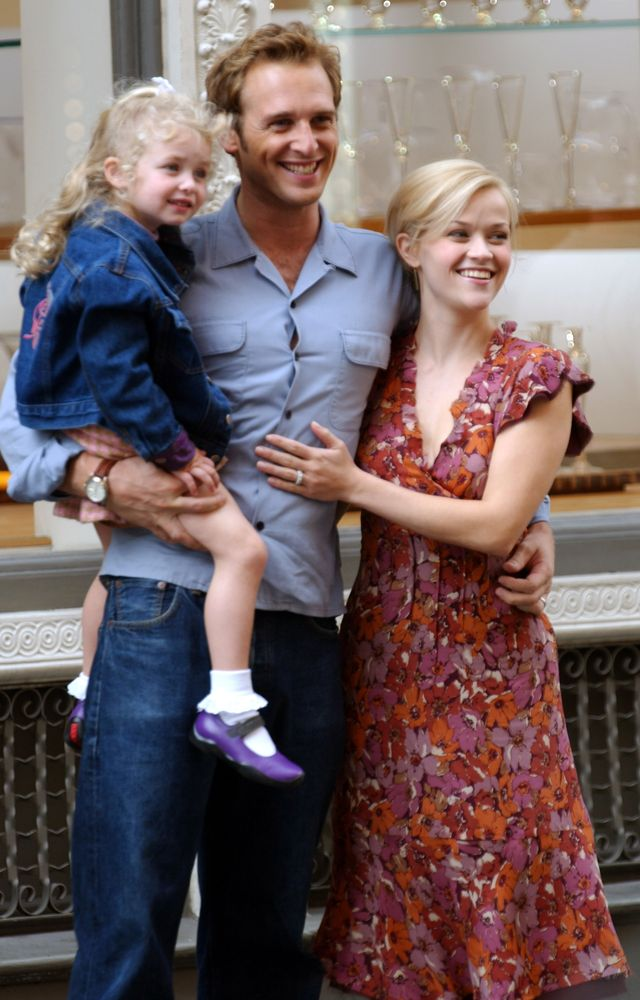 """reese witherspoon and josh lucas filming """"sweet home alabama"""" in new york city"""