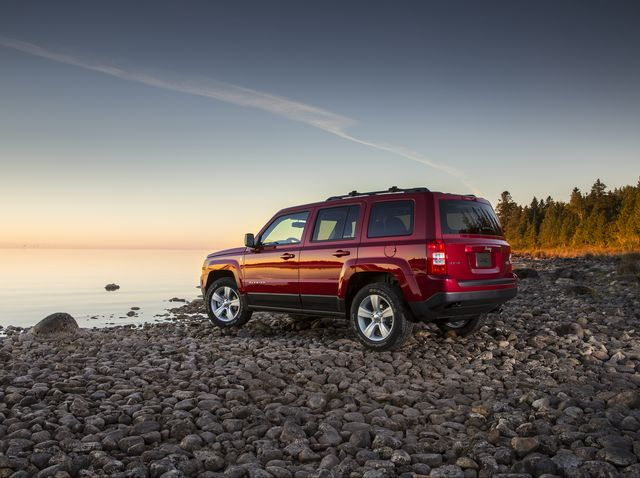 Jeep Patriot Review Pricing And Specs