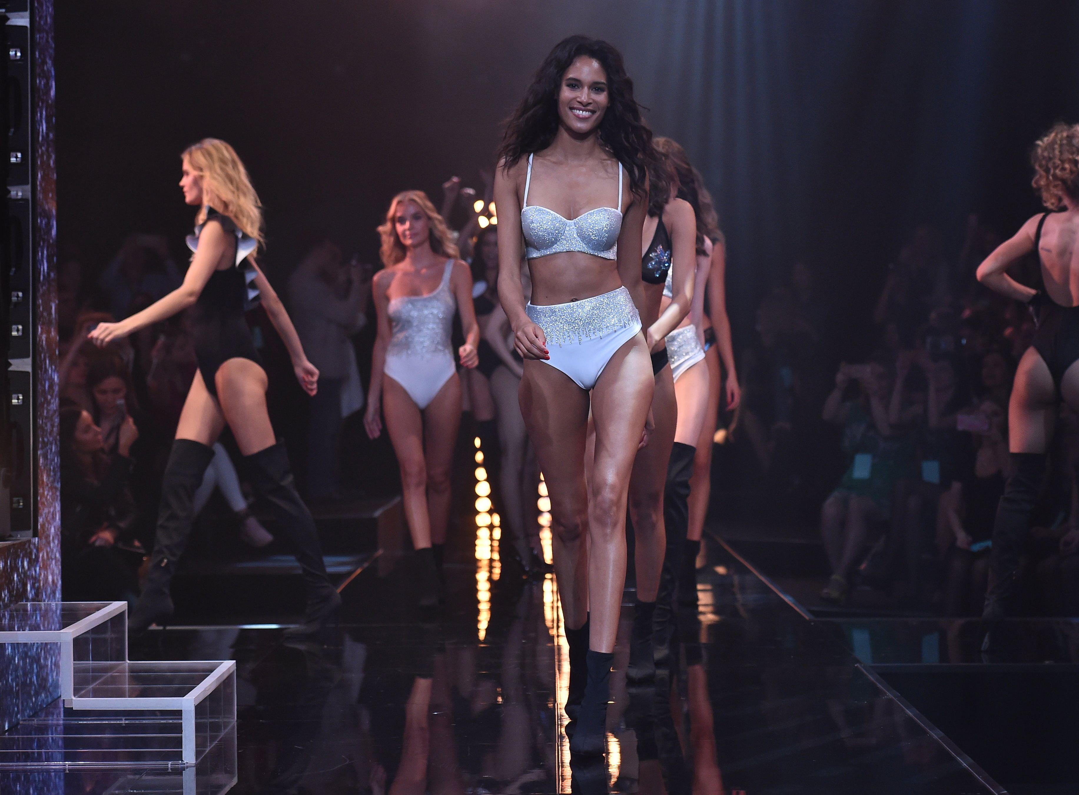 Costumi calzedonia estate i modelli interi e bikini a due