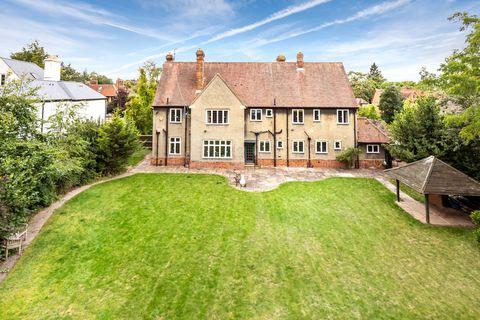 Property, Estate, House, Home, Building, Real estate, Grass, Lawn, Land lot, Cottage,