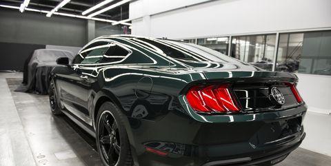 Land vehicle, Vehicle, Car, Motor vehicle, Performance car, Muscle car, Automotive design, Automotive lighting, Bumper, Rim,