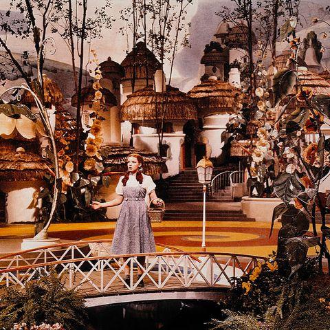 40 Behind The Scenes Photos Of The Wizard Of Oz Rare Wizard Of Oz Photos