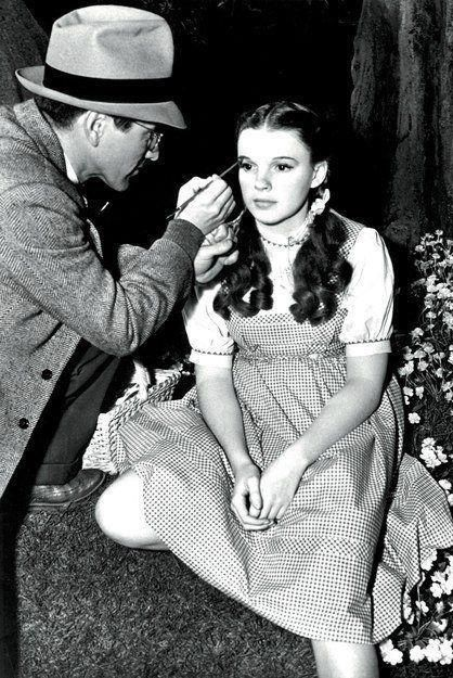 how old was judy garland when she made wizard of oz