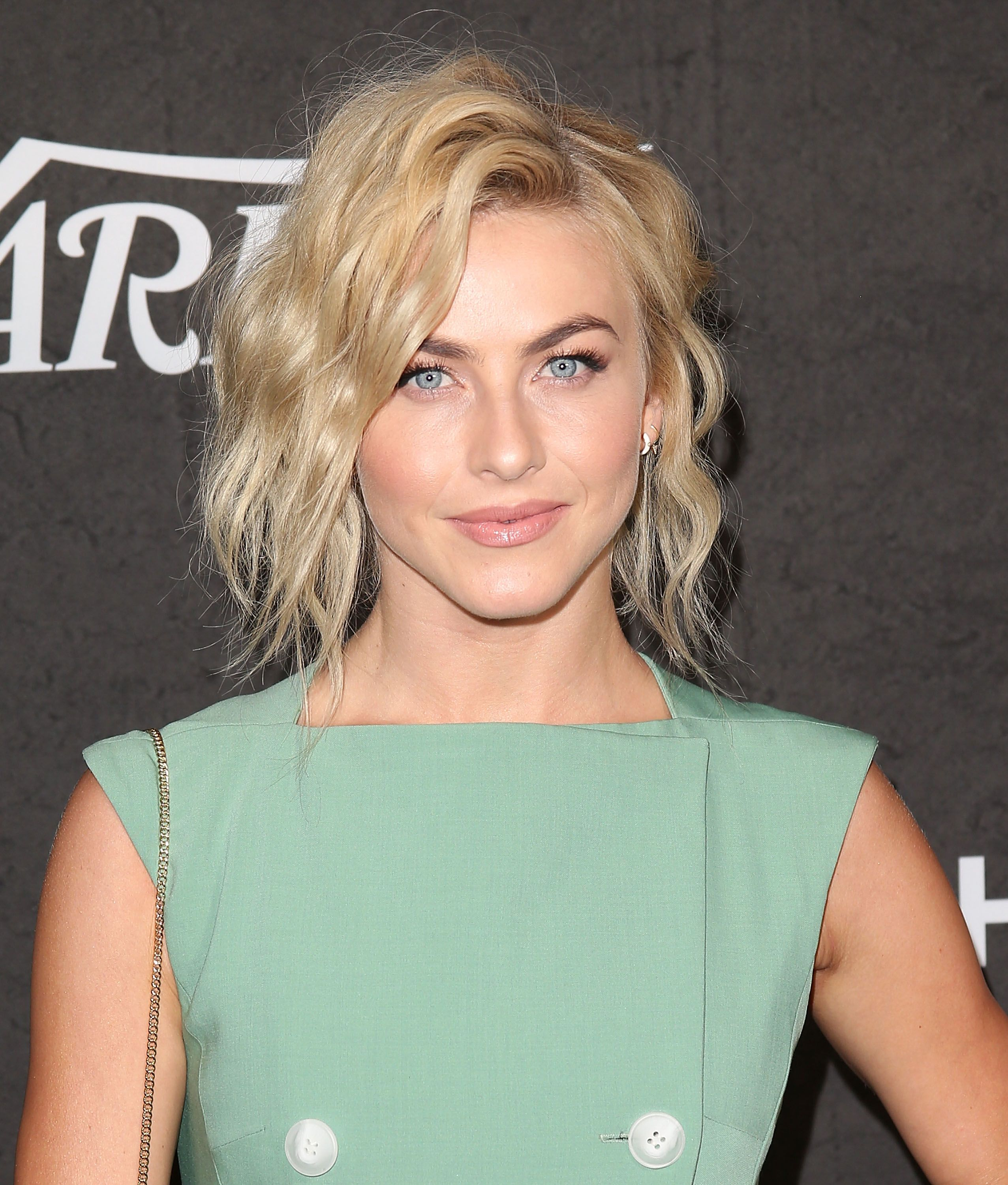 20 Best Short Curly Hairstyles for Women , Short Haircuts