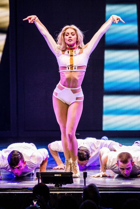 julianne and derek hough move beyond live on tour   los angeles, ca