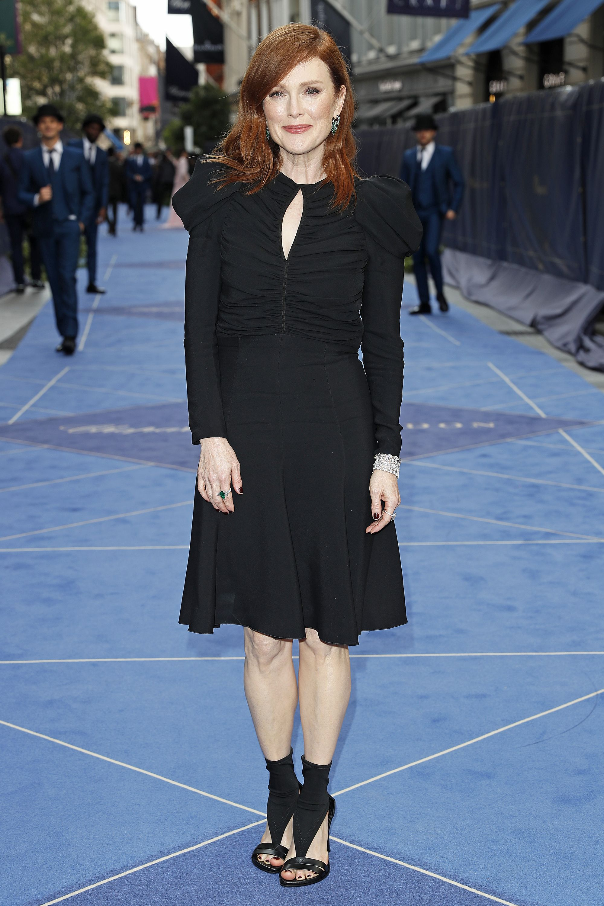 """Julianne Moore on her """"favourite"""" facial"""