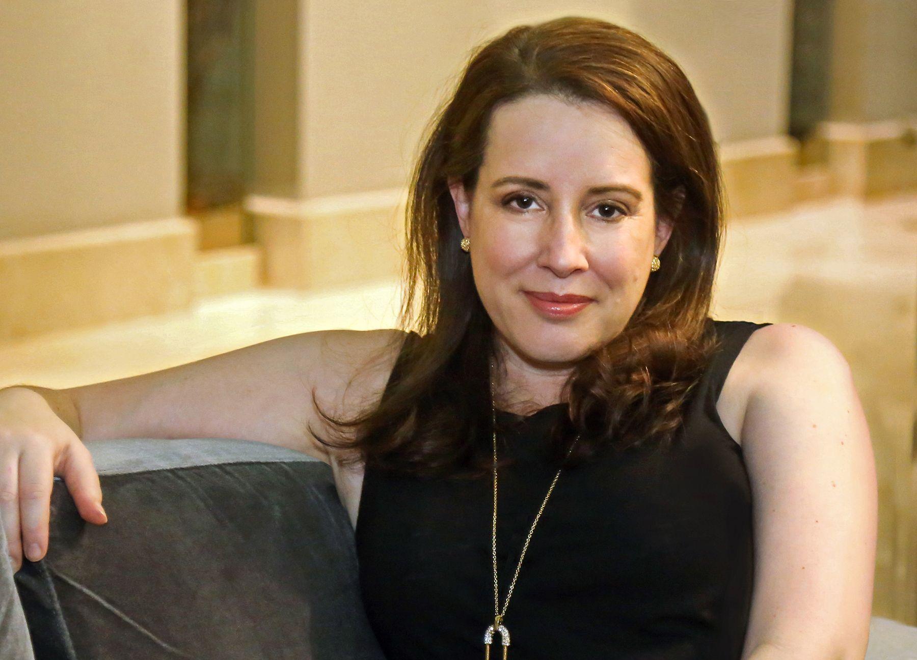 Julia Quinn on Seeing Her 'Bridgerton' Novels Transformed for TV