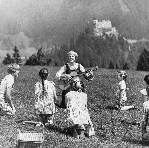 julie andrews and cast singing in the sound of music