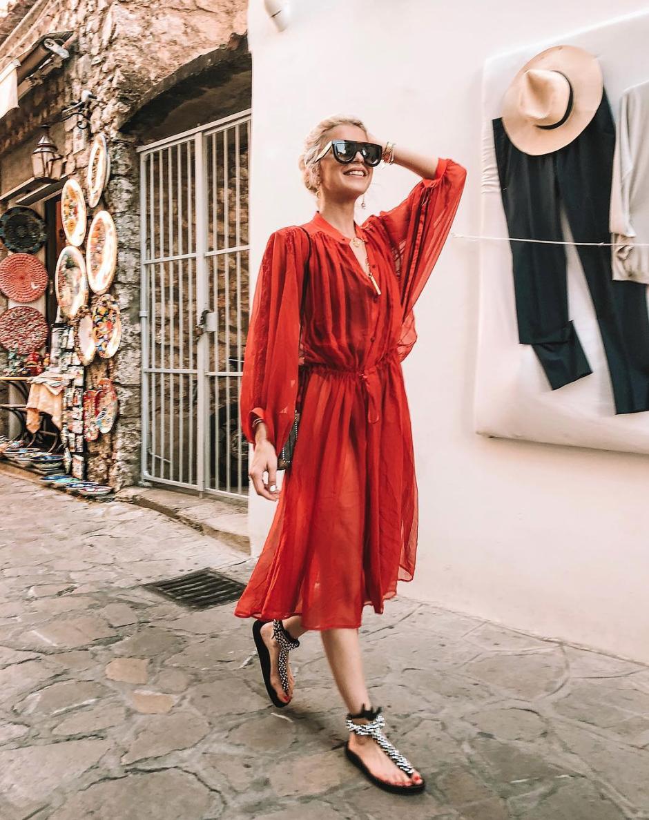 69f4a434871c13 Deze jurk van Zara draagt iedereen op Instagram