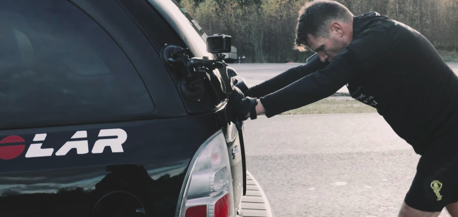 This Guy Just Smashed the Guinness World Record for Pushing a Car 1 Mile