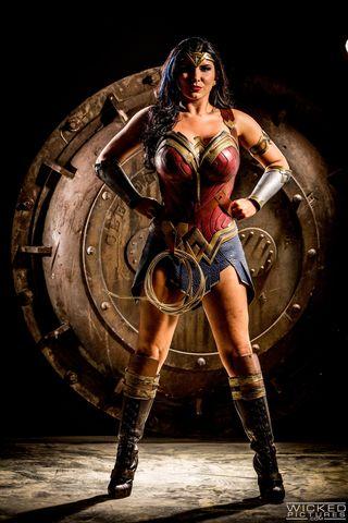 Fictional character, Muscle, Cg artwork, Wonder Woman, Superhero, Gladiator,