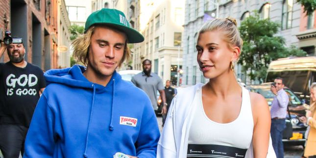 Hailey Baldwin Gave Justin Bieber A $10,000 Crystal-Encrusted Popsicle For Valentine's Day