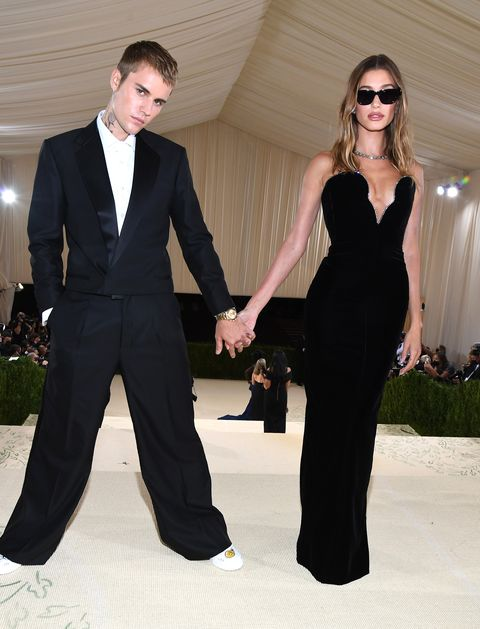 justin and hailey bieber at the 2021 met gala
