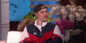 Zanger Justin Bieber op de bank bij EllenDeGeneres