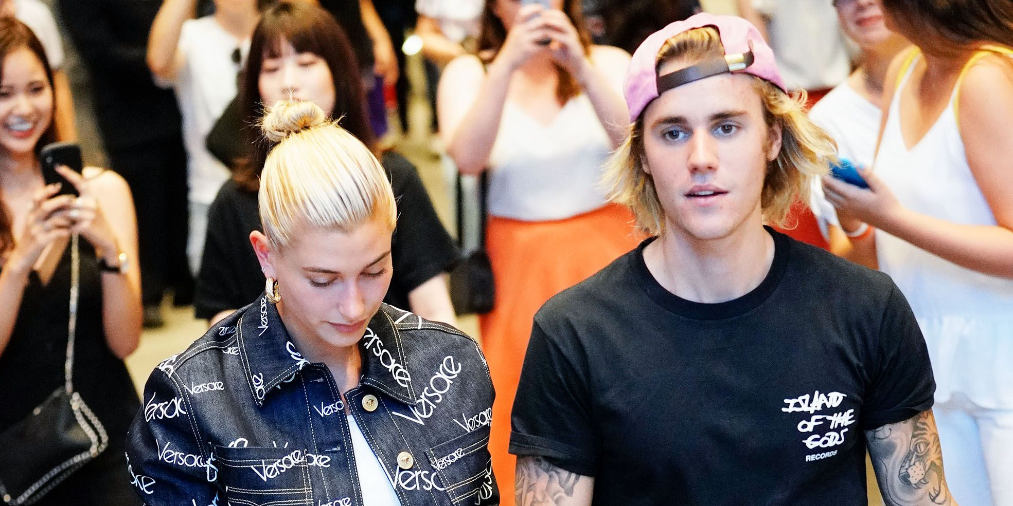 Who is justin bieber dating girlfriend wife