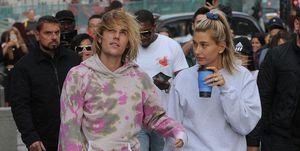 Justin Bieber en Hailey Baldwin lopen in Londen