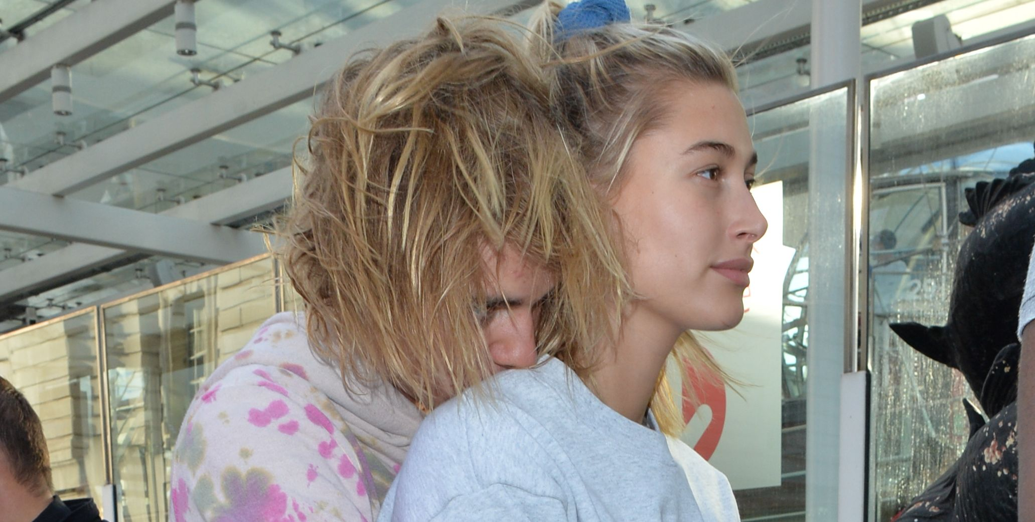 Watch Justin Bieber and Hailey Baldwin Struggle to Row Their Boat Out of a Corner on a Date