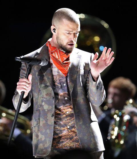 482087344ed4f Super Bowl 2018  la camisa de Justin Timberlake que (casi) eclipsa su  brutal actuación