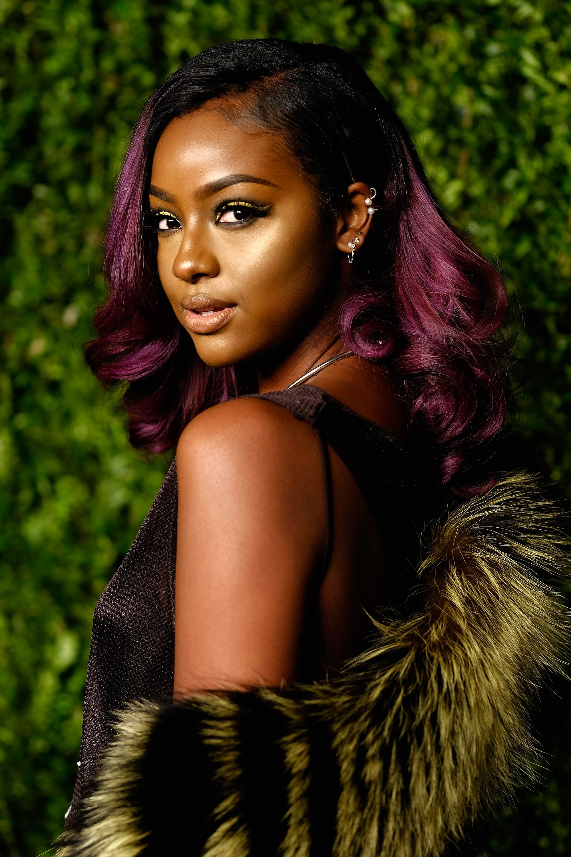 12 Best Hair Colors For Dark Skin Tones According To Stylists