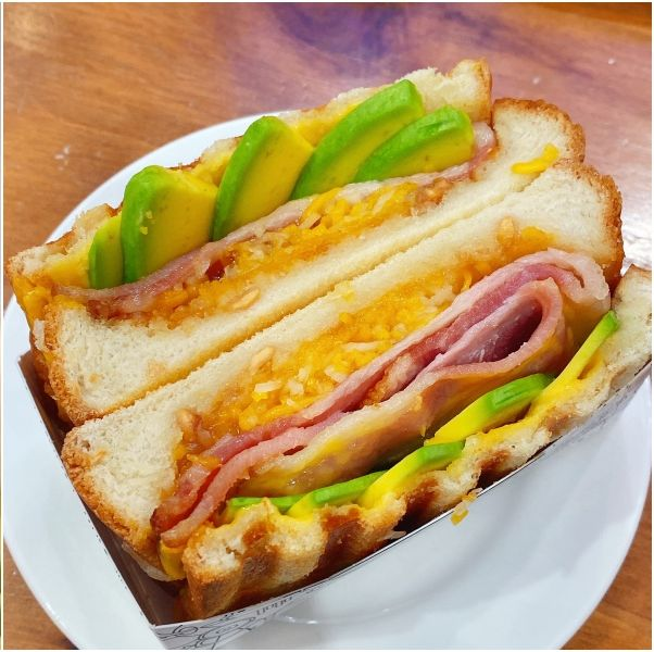 KIEHL'S咖啡店酪梨奶昔三明治