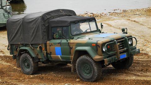 Kia M450 military truck based on Jeep M715