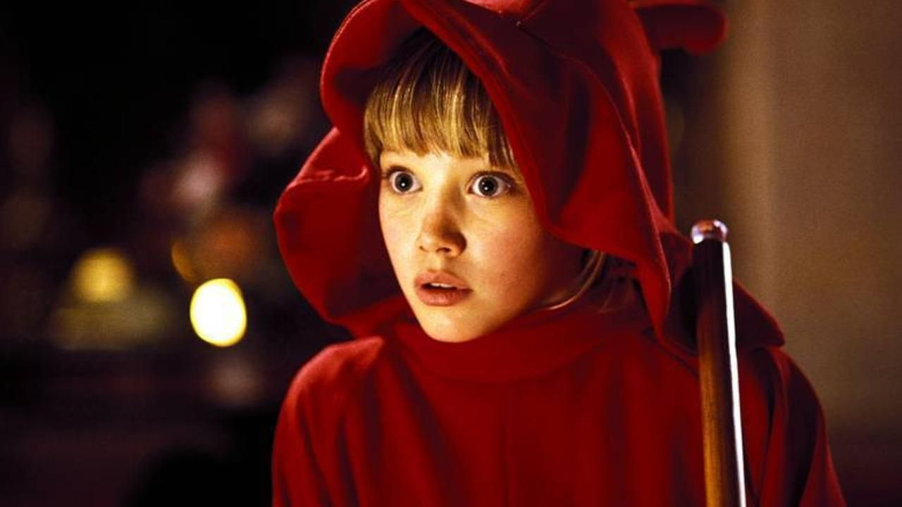 casper and wendy movie. hilary duff adorably recreates her most iconic look from casper meets wendy and movie 0