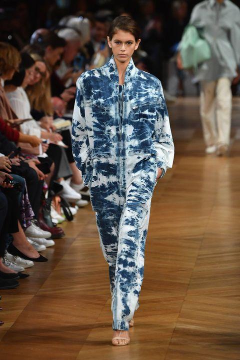 stella mccartney  runway   paris fashion week womenswear springsummer 2019