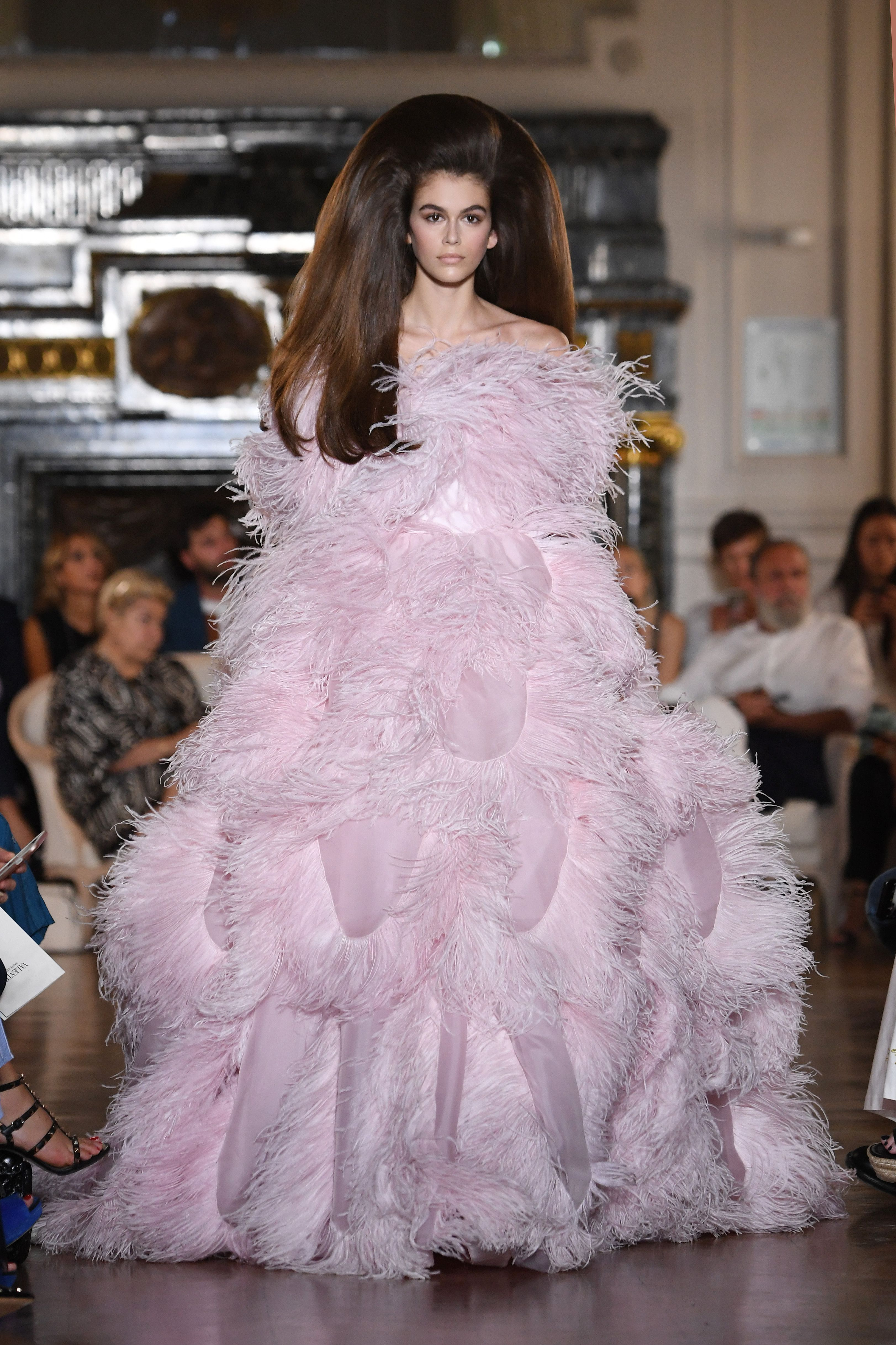 8a8573641d Valentino Couture Hair - Models at the Valentino Haute Couture Show ...