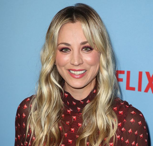 kaley cuoco at la premiere of netflix between two ferns the movie