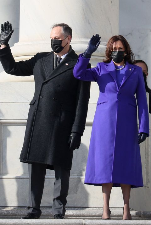 kamala harris en haar man tijdens inauguratie