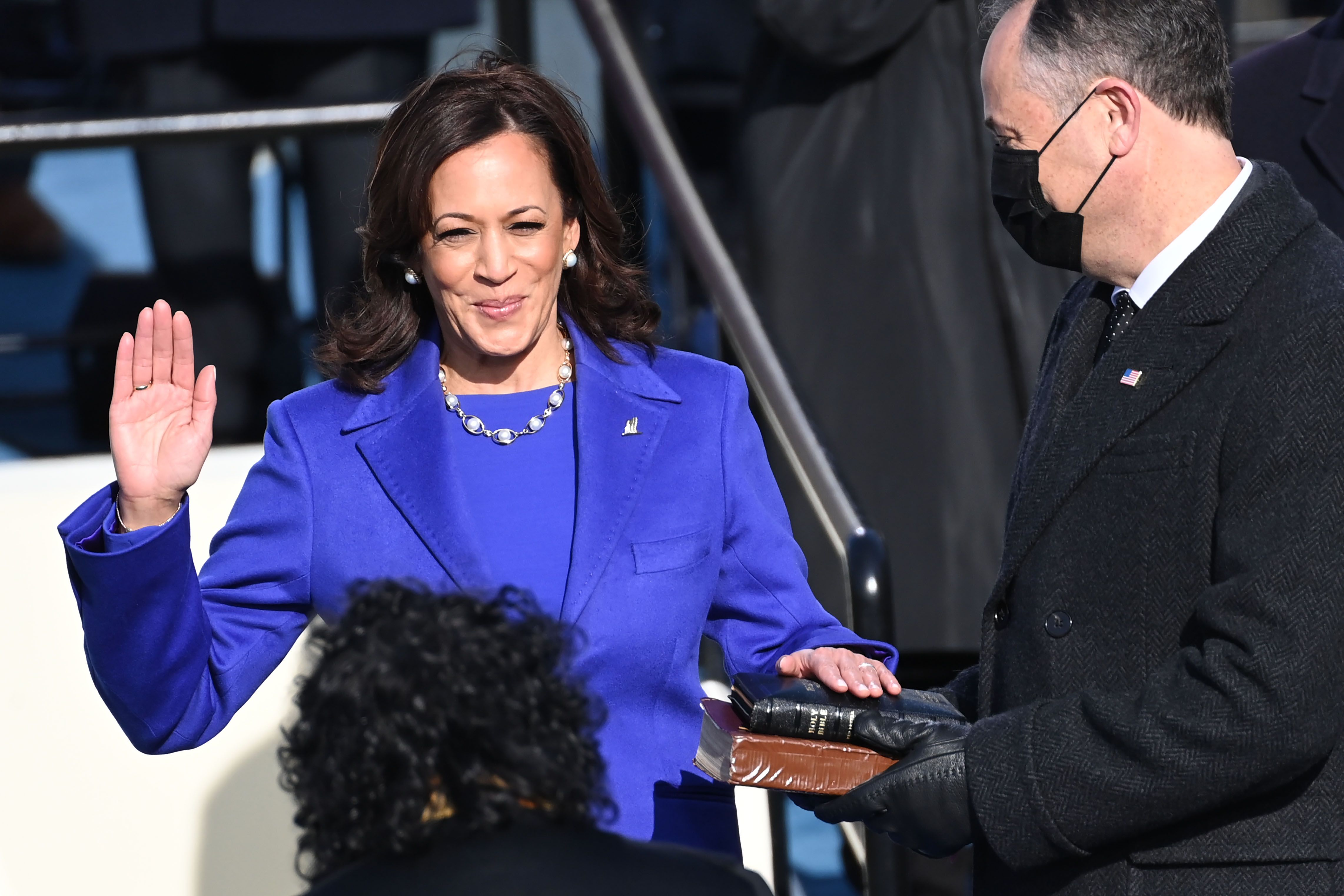 VP Kamala Harris Wears a Pearl Necklace at the 2021 Inauguration