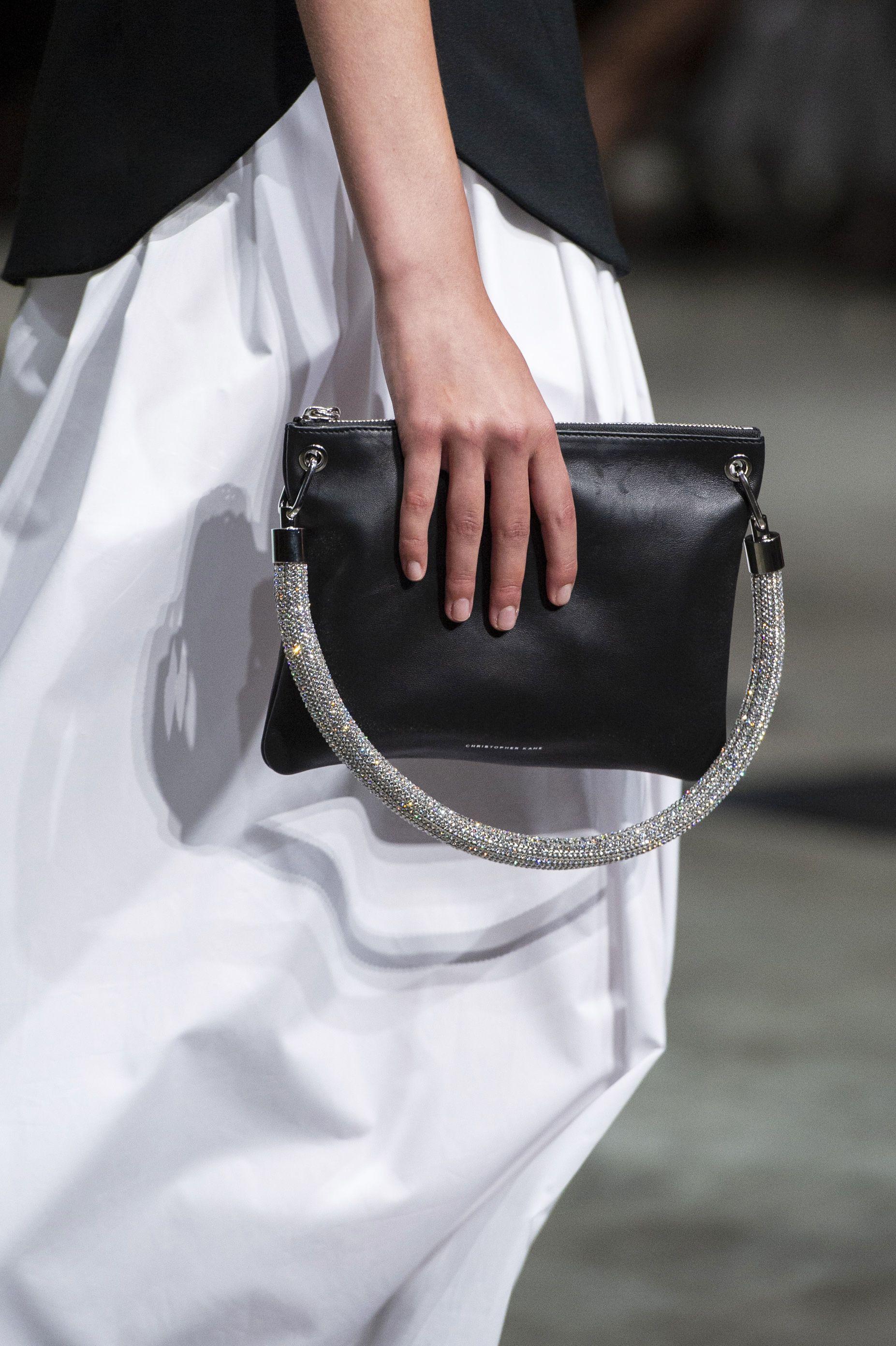 2019 year looks- 25 women best fashion handbags trends uk