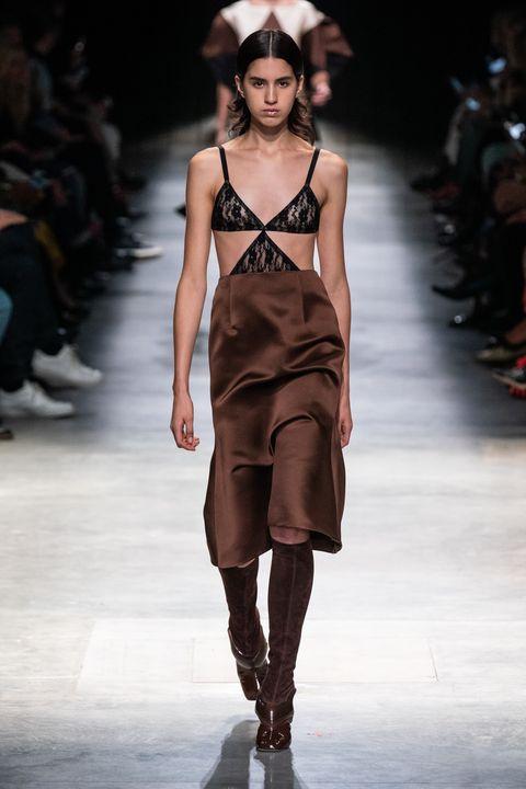 Fashion show, Fashion model, Fashion, Runway, Clothing, Public event, Fashion design, Brown, Event, Dress,