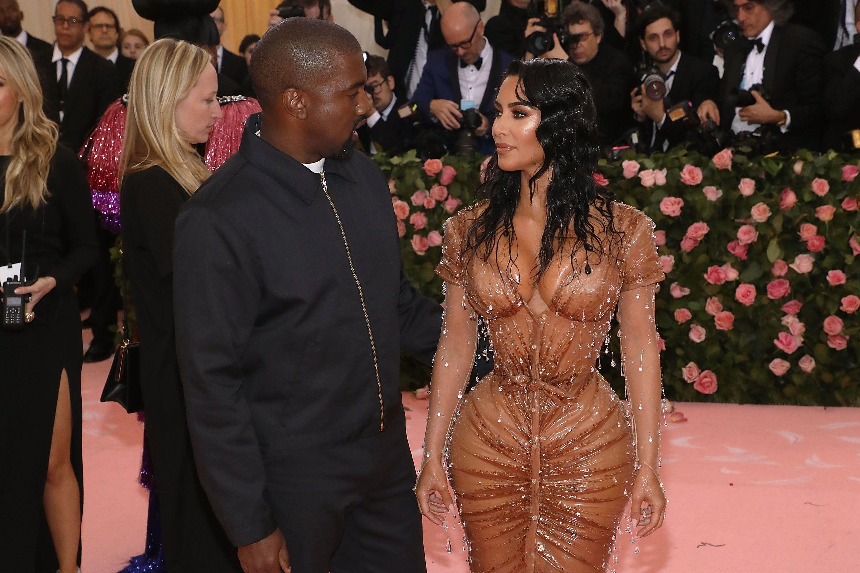 Kim Kardashian Credits Her 24 Inch Waist To Veganism KKW Diet