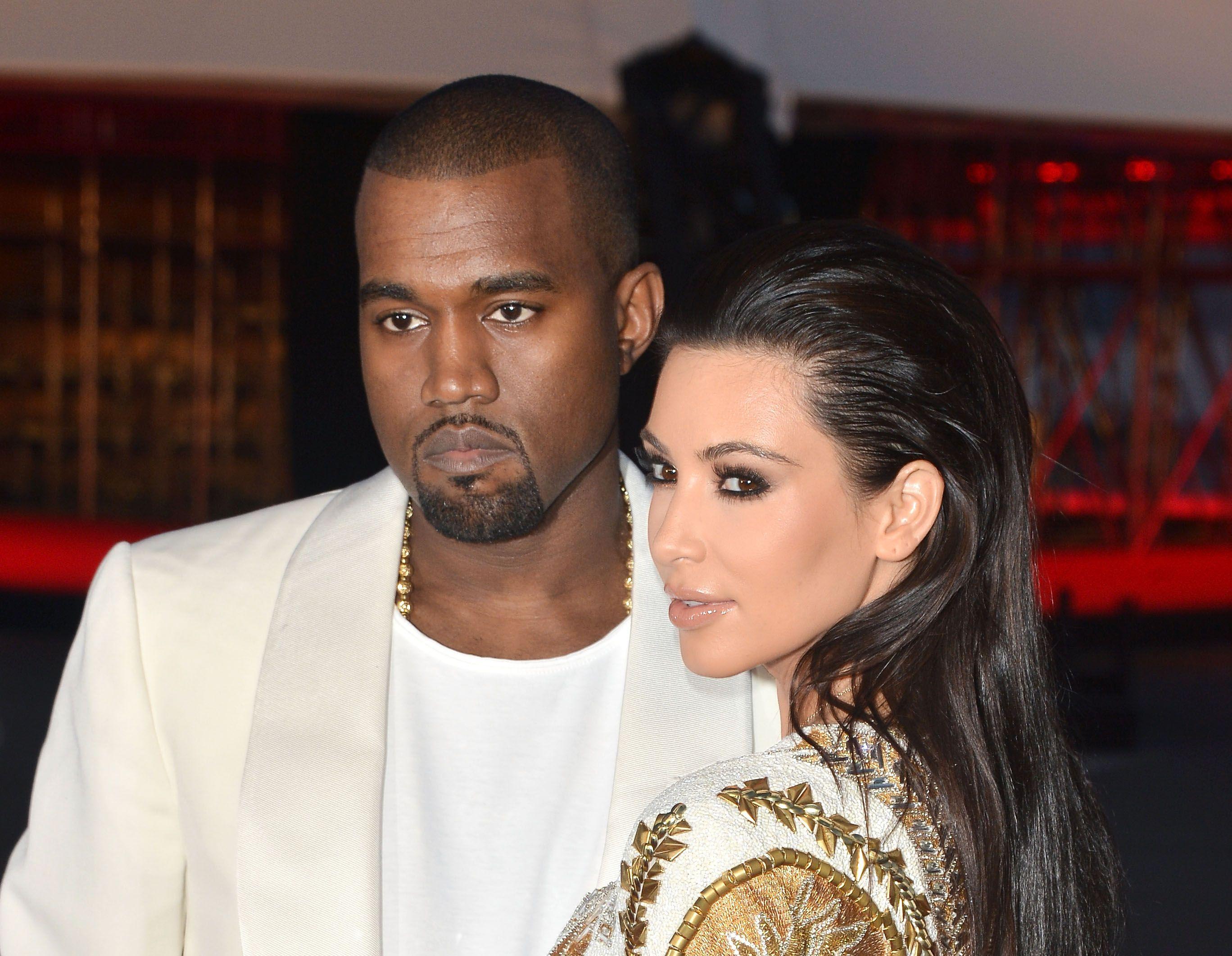 Fenomeno di culto negli USA fin dal 2007, Le Kardashian torna(no) in tv in Italia con Sky: a partire da lunedì 21 ottobre alle 18.45, e in striscia.