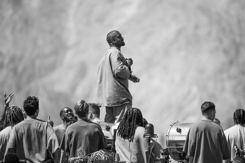 Resultado de imagen para servicio dominical kanye coachella